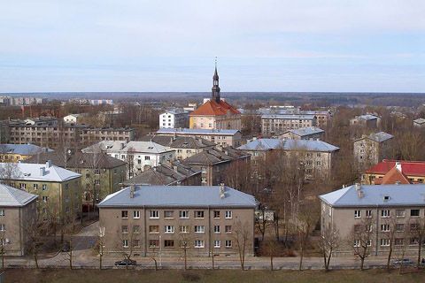 800px-Narva_old_town_2009