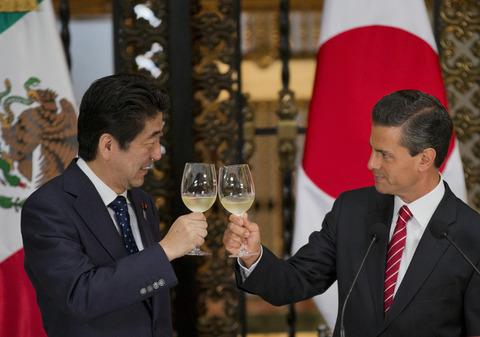 140926-japanmexico-editorial