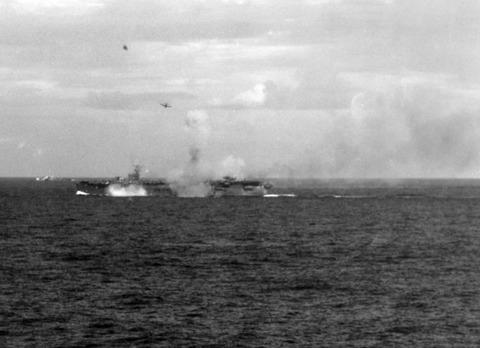 Japanese_aircraft_attacking_CVE_at_Battle_of_Leyte_Gulf_1944