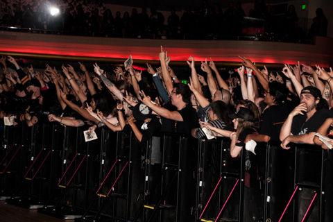 JH-Slayer-Fans-Salute