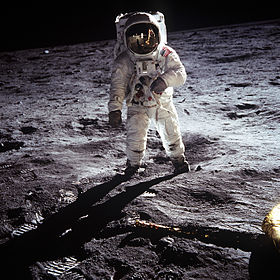 280px-Aldrin_Apollo_11