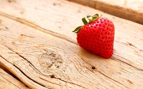 cute-strawberry-wallpaper-cute-strawberry-wallpaper
