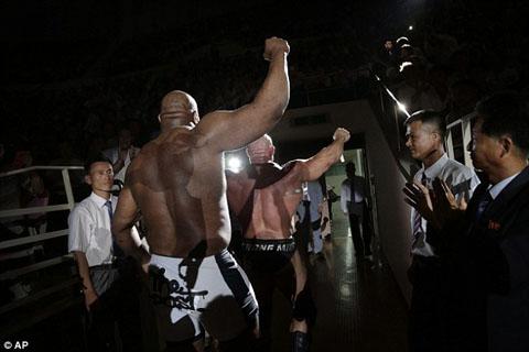 1409418871958_wps_9_American_pro_wrestlers_Bo