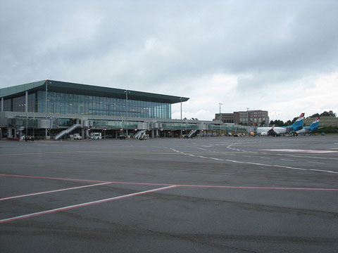 800px-Findel_Airport_Luxembourg
