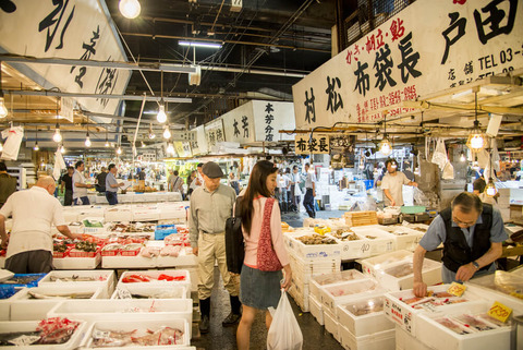 Tsukiji-Fish-Market-Market-Walkways