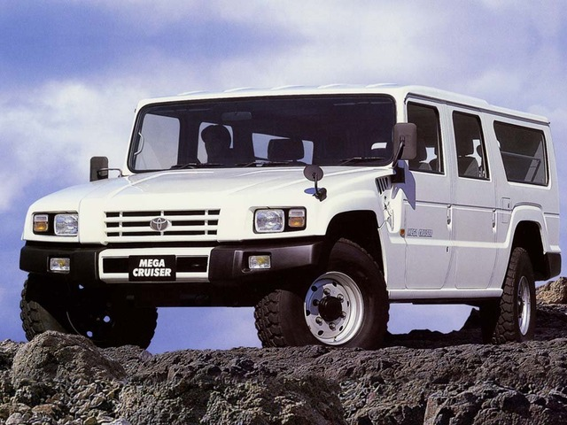 Toyota-Mega-Cruiser-civilian-version-2-8367-default-large