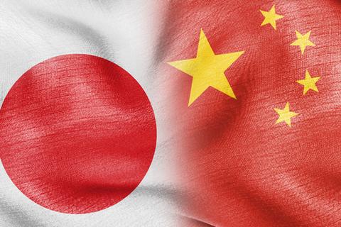japan-china-relations-korean-men-02