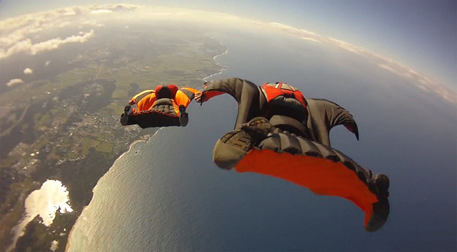 Ocean_Wingsuit_Formation_(6366966219)