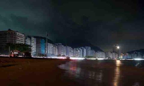 Copacabana-beach-during-R-001