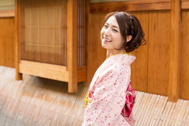 Lionesse-Japanese-Beauty-Standards-Slim