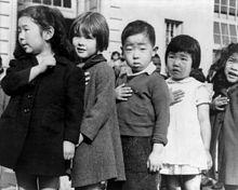 220px-JapaneseAmericansChildrenPledgingAllegiance1942-2