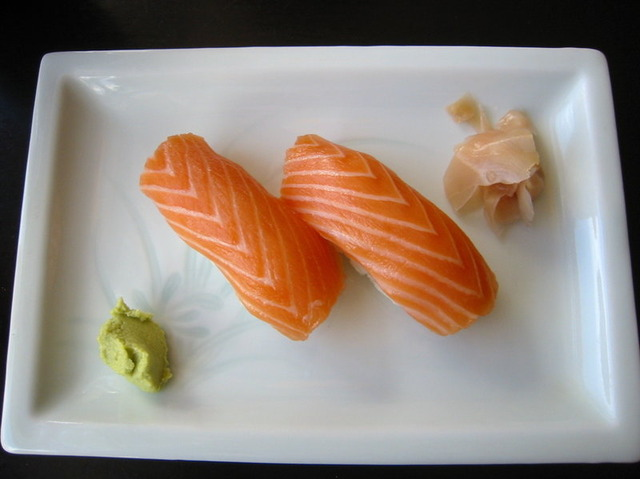 Salmon Sushi-3bb8769d2c50006f29335cb8cdb7493603a51ebe-s800-c85