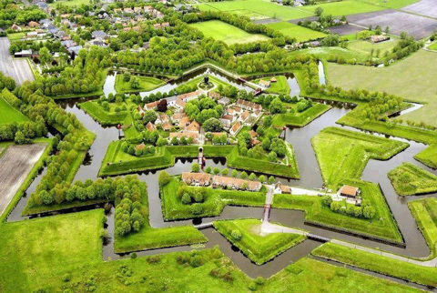 The+star+castle+in+Netherlands