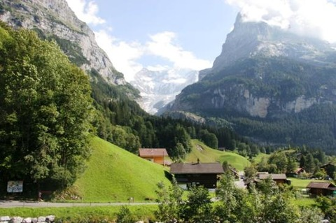 mountains-around-interlaken