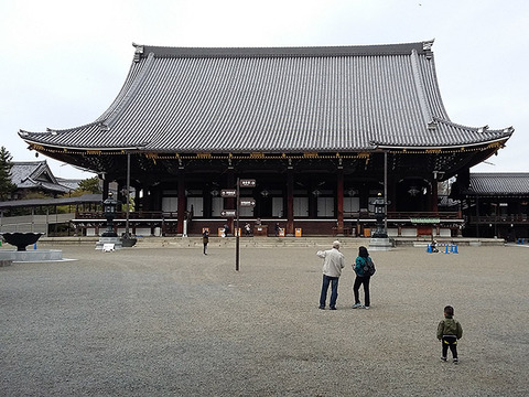 higashi-honganji-temple-amida-hall-kyoto