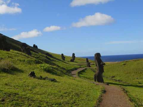 picture-of-Easter-Island