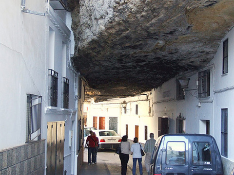setenil-city-under-rock-5