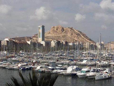 796px-Skyline_de_Alicante