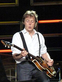 250px-Paul_McCartney_live_in_Dublin