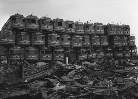 1920px-Junked_streetcars