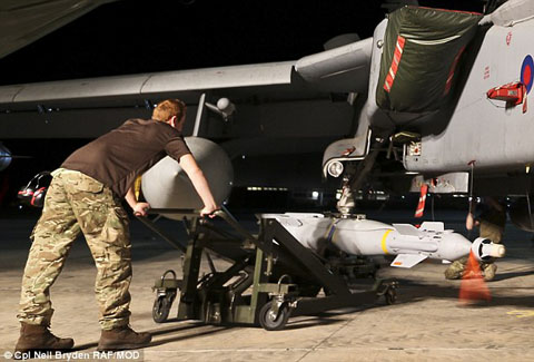 1412087162840_wps_20_Image_Shows_RAF_Tornado_G