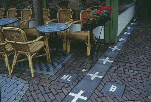 Baarle-Nassau_frontiere_cafe