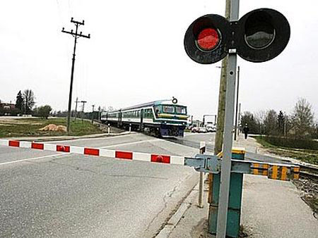 Railway_crossing_221212