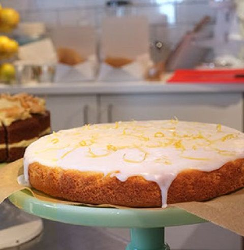 lemon-drizzle-on-stand-crop-u233