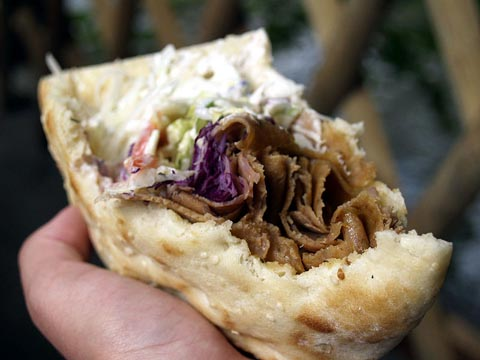 800px-Shawarma_(2223426004)