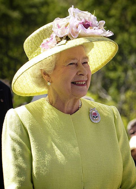 queen-elizabeth-at-the-nasa-goddard-space-flight-center
