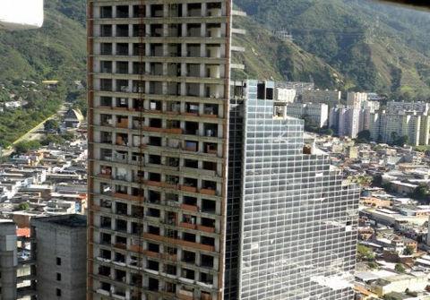 torre-de-david-carracas2-e1351185835410