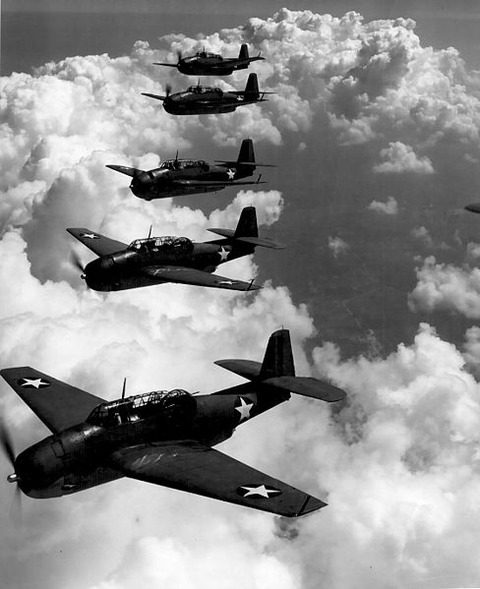 488px-TBF_(Avengers)_flying_in_formation
