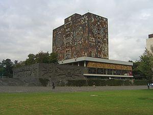 300px-CU-Mexico-biblioteca-2