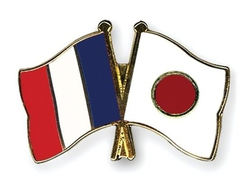 flag-pins-france-japan_large_1367735518_1367735522