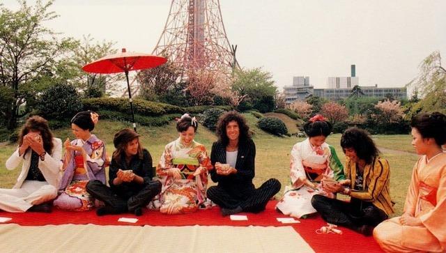 queen-in-japan-2