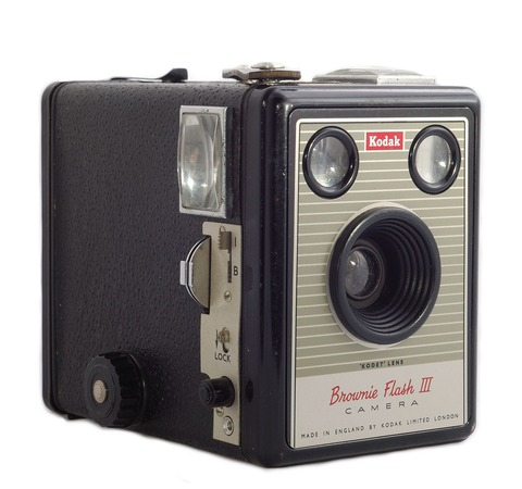 1280px-Kodak_Brownie_Flash_III