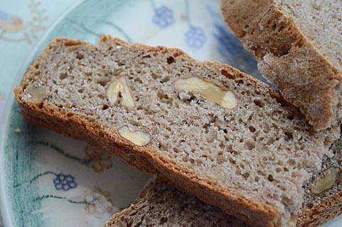 ajdov-kruh-z-orehi