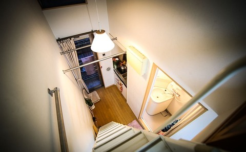 Tiny-Tokyo-Appartment-Great-Room
