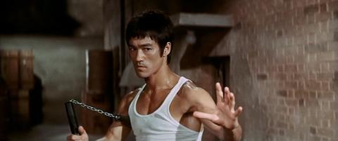 Bruce+Lee+nunchucks+Way+of+the+Dragon