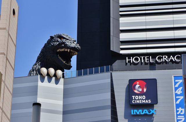 Godzilla-head-shinjuku-Manish-Prabhune