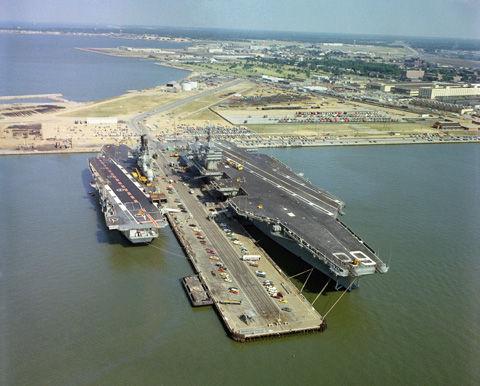 HMS_Ark_Royal_USS_Nimitz_Norfolk2_1978