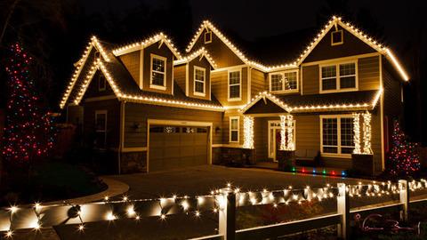59_1christmas_lights_house
