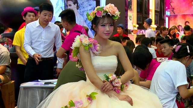 150615013730-china-wedding-cost-jiang-pkg-00001710-exlarge-169