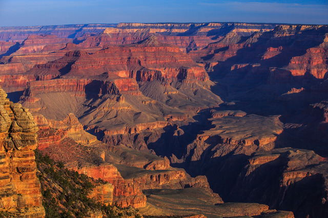 Dawn_on_the_S_rim_of_the_Grand_Canyon_(8645178272)