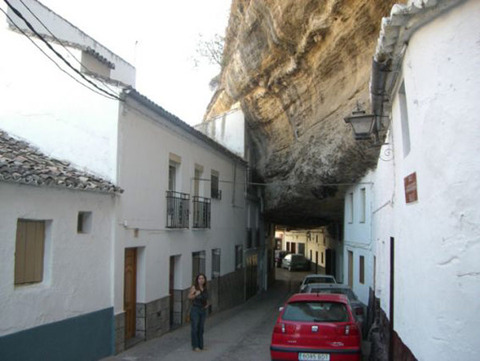 setenil-city-under-rock-7