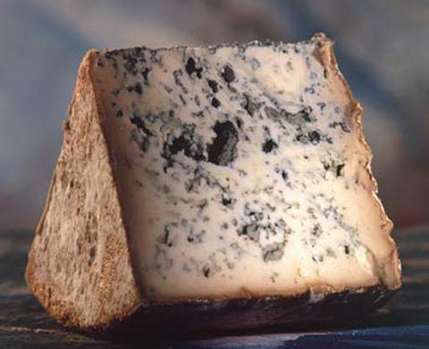 queso-gusanos-latina-food-0509-400_0