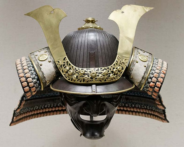 Suits-of-Armor-japan