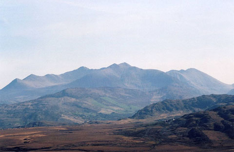 800px-MacGuillycuddy's_Reeks