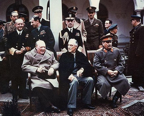 742px-Yalta_summit_1945_with_Churchill,_Roosevelt,_Stalin