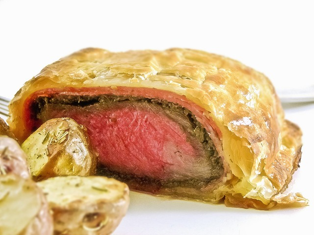 1280px-Beef_Wellington_-_Crosscut